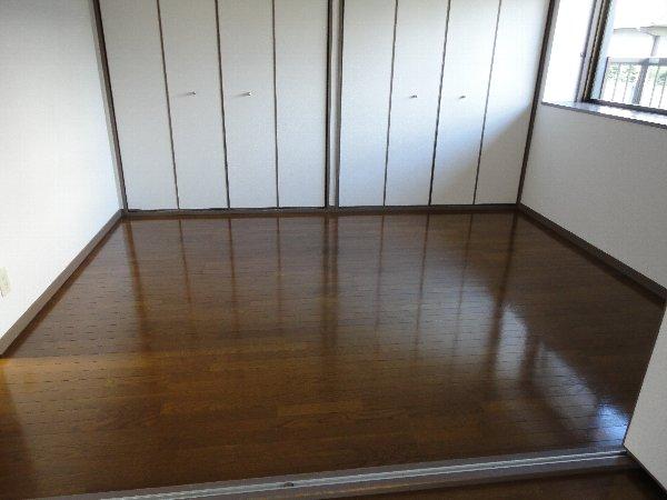 プリミエール勝川 101号室の居室