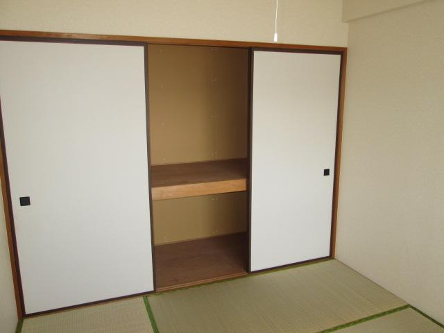 クレール神明 3B号室の収納