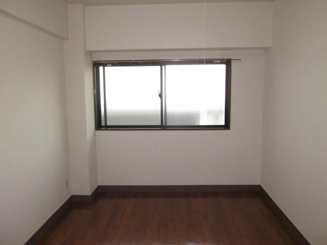 クレール神明 3B号室のリビング