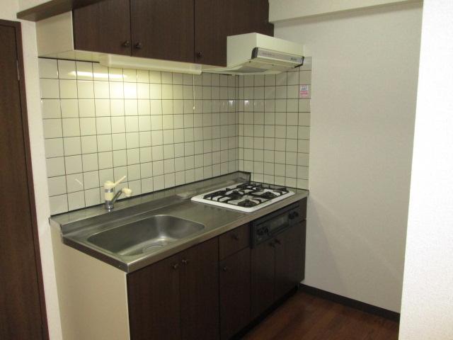 クレール神明 3B号室のキッチン
