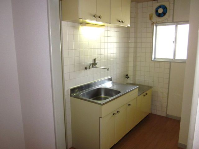 コミュニティタウン89 A-105号室のキッチン