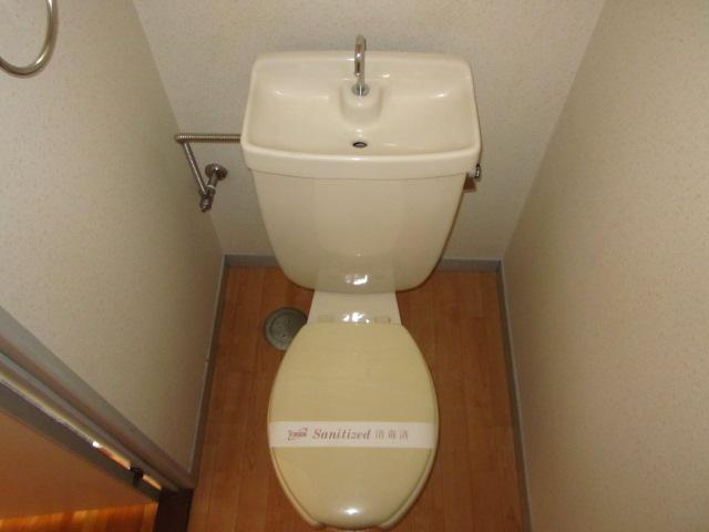 コミュニティタウン89 A-105号室のトイレ