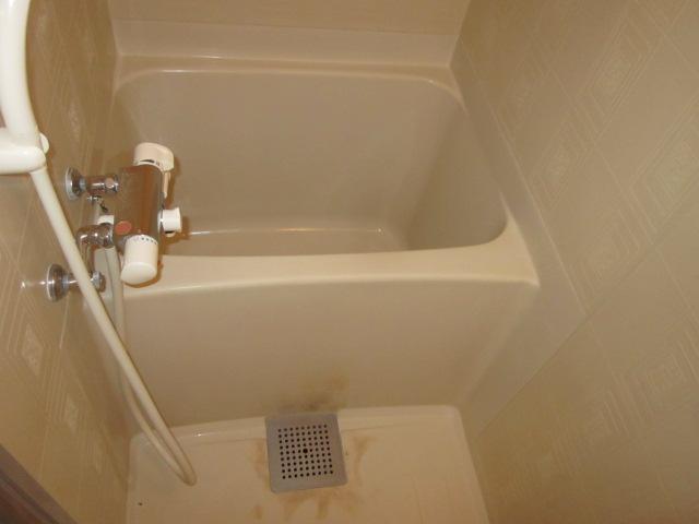 美春マンション 301号室の風呂
