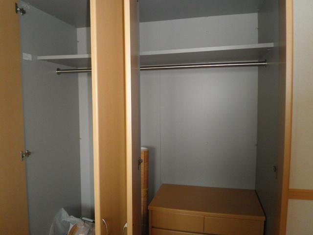 エル・オーブの森 203号室の収納