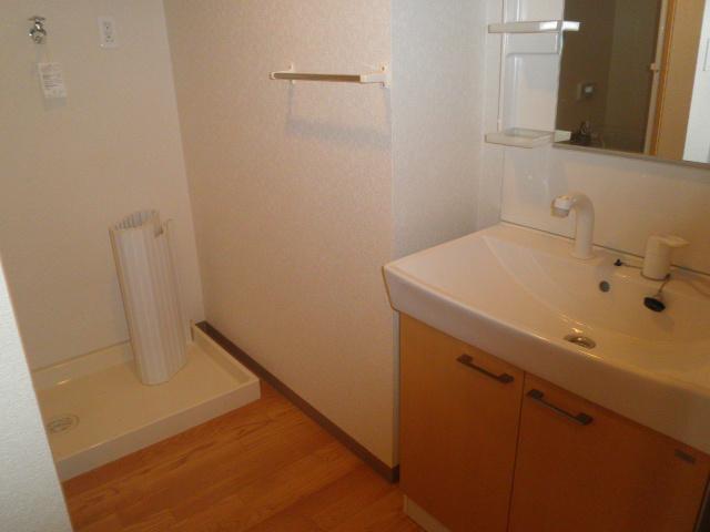 エル・オーブの森 203号室の洗面所
