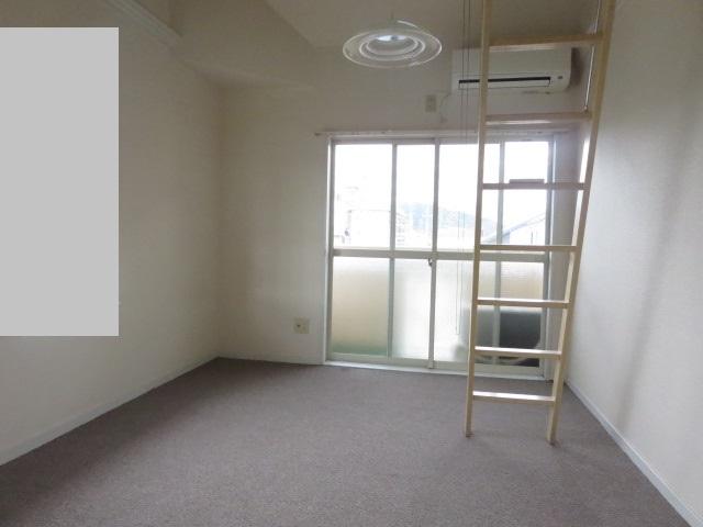 パレス大福 206号室のリビング