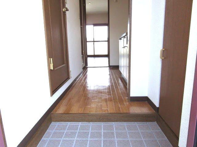 MYUⅡ 103号室の玄関