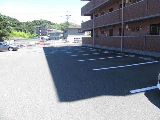 MYUⅡ 302号室の駐車場