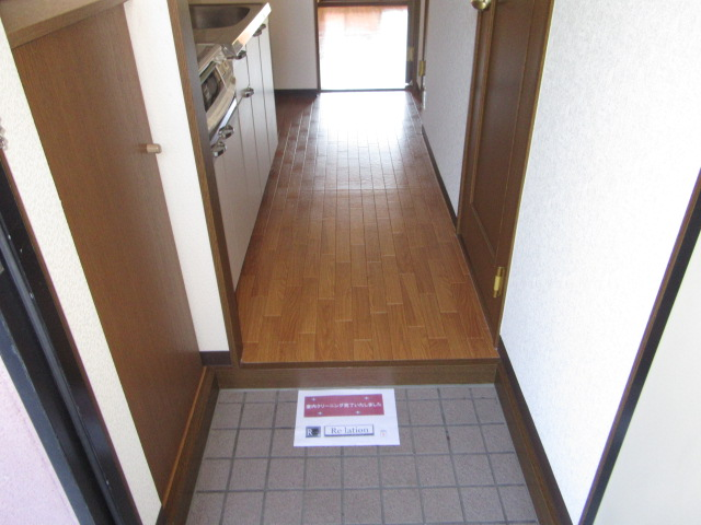 MYUⅡ 302号室の玄関
