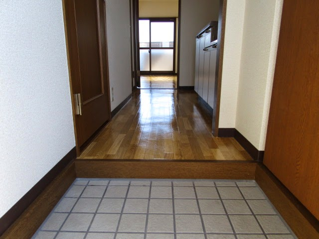 ブライトタイムⅠ 408号室の玄関