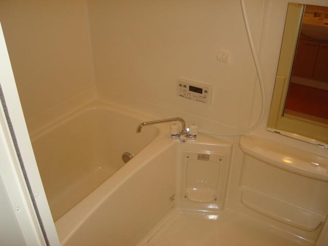 ミルキーベル 102号室の風呂