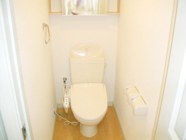 ミルキーベル 102号室のトイレ