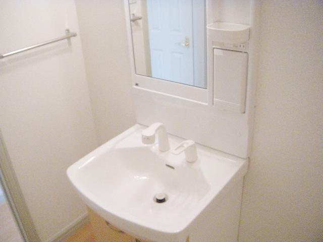 ミルキーベル 102号室の洗面所