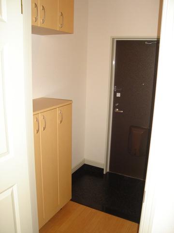 ミルキーベル 102号室の玄関