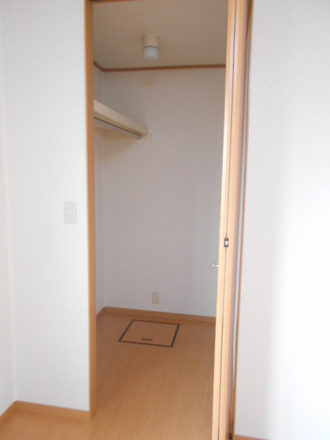 コートラフィーネD 101号室の収納