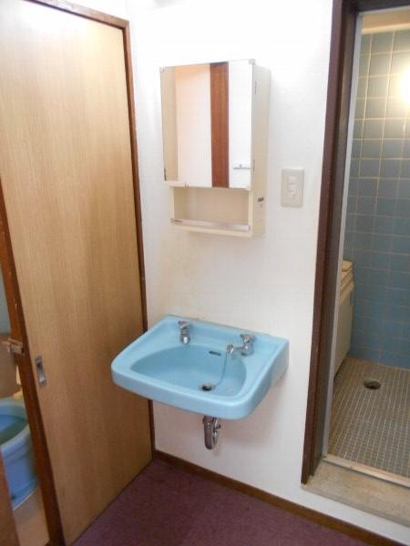 日香苑 303号室の洗面所