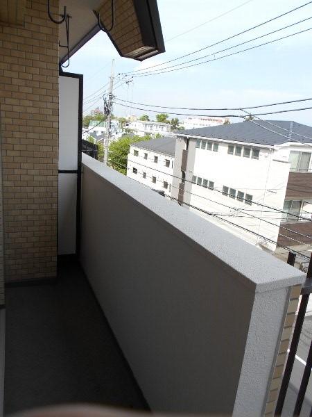 日香苑 303号室のバルコニー