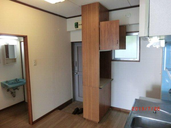 日香苑 304号室の玄関