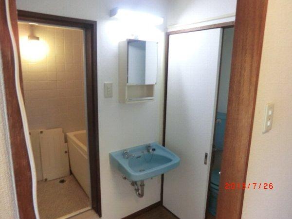 日香苑 304号室の洗面所