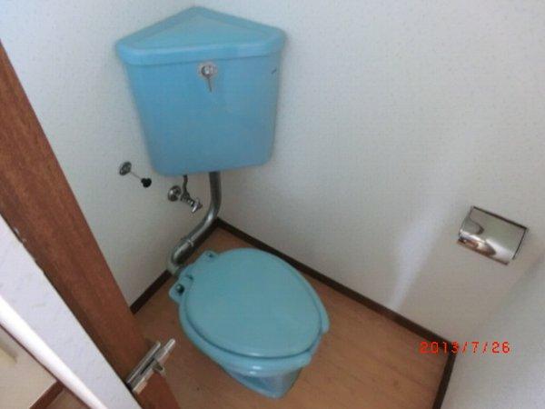 日香苑 304号室のトイレ