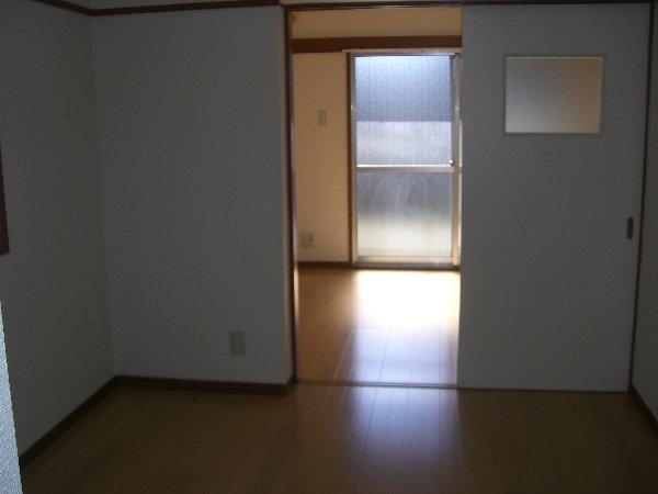 富士見グリーンハイツ 101号室のリビング