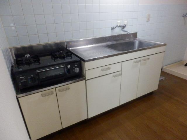 島ハウス 102号室のキッチン