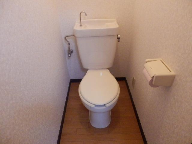 島ハウス 102号室のトイレ