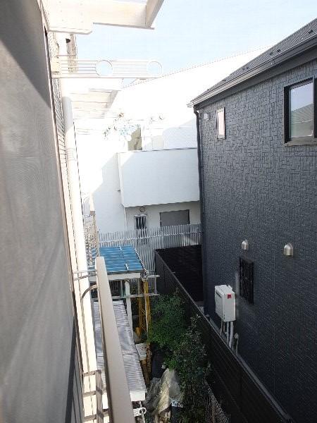 TOSHIハウス 202号室のバルコニー