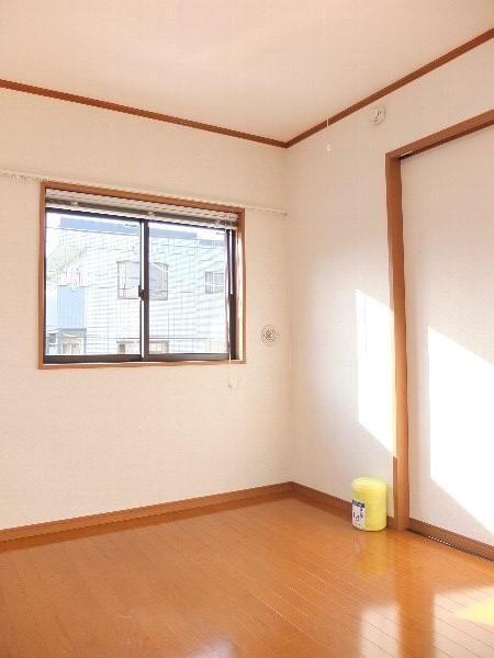 TOSHIハウス 202号室の居室
