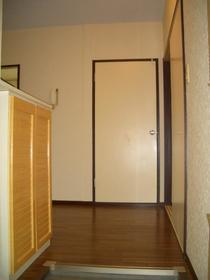 ラ・フィーネ 101号室の玄関