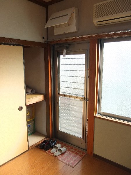 TOSHIハウス 204号室の玄関