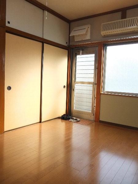 TOSHIハウス 204号室のリビング