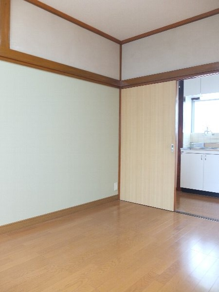 TOSHIハウス 204号室の居室
