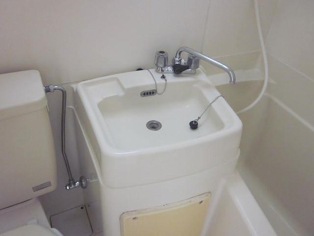 スターホームズ井土ヶ谷2 201号室の洗面所