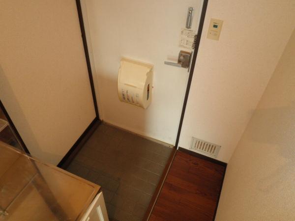 サンシティハイツ東 00203号室の玄関