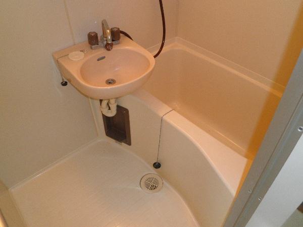 アヴィオンⅠ 00101号室の風呂