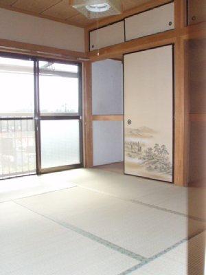 コーポ中田B 201号室のリビング