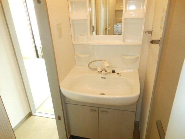 ウォーターミル 102号室の洗面所