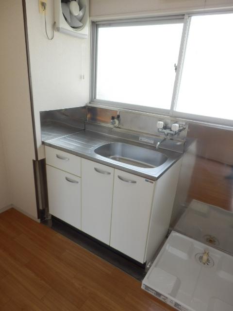 第1高尾荘 201号室のキッチン