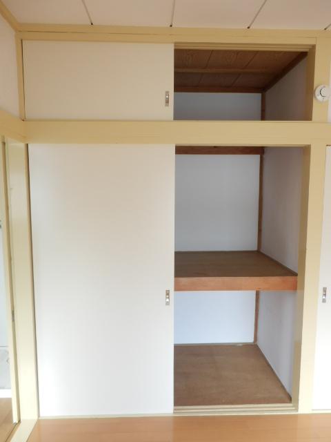 第5高尾荘 101号室の収納