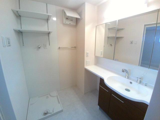 エクセル α(アルファ) 201号室の洗面所
