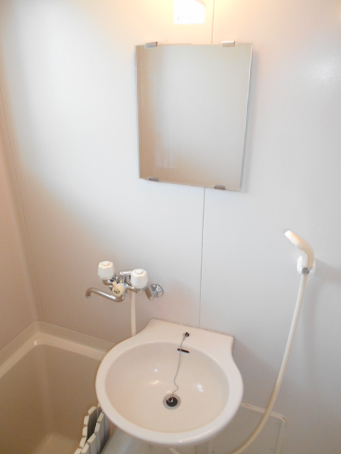 ハイツセリエ 201号室の洗面所