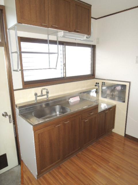 サンハイツB 102号室のキッチン