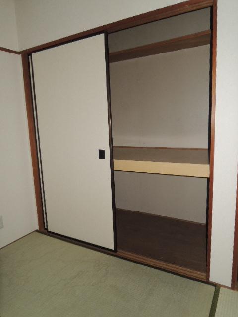 サンハイツB 102号室の収納