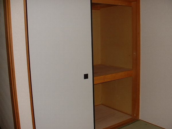 メゾンド・イナガキ 203号室の収納