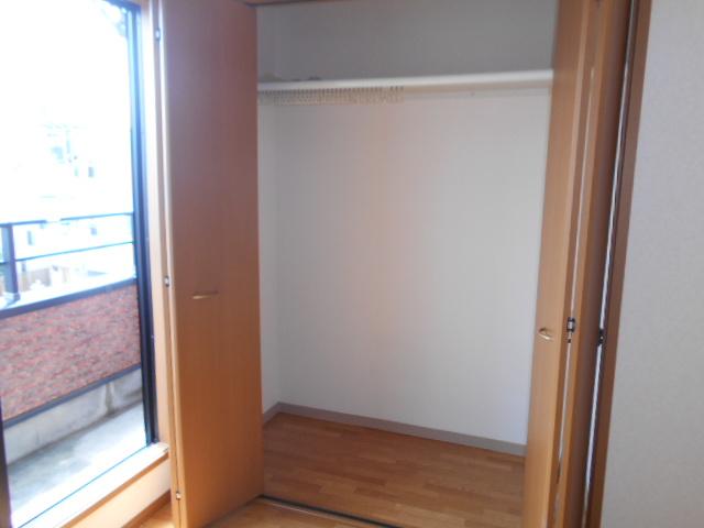 ラヴィッサンヴィーⅡ 303号室の収納