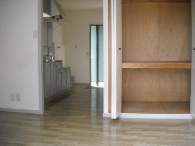 サンライズタウンK 108号室の収納