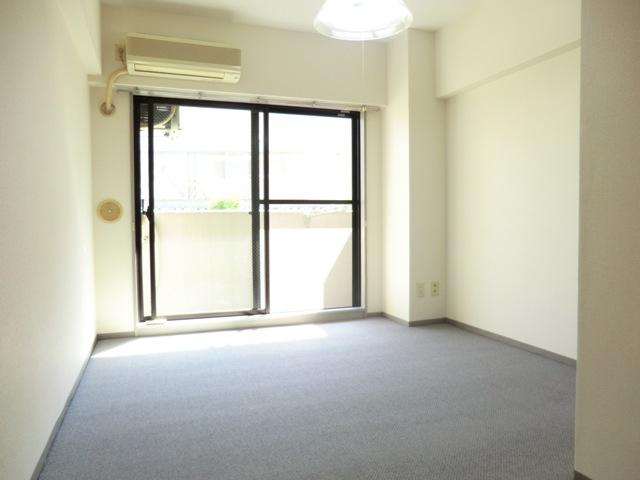 ライオンズマンション与野本町第7 210号室の居室