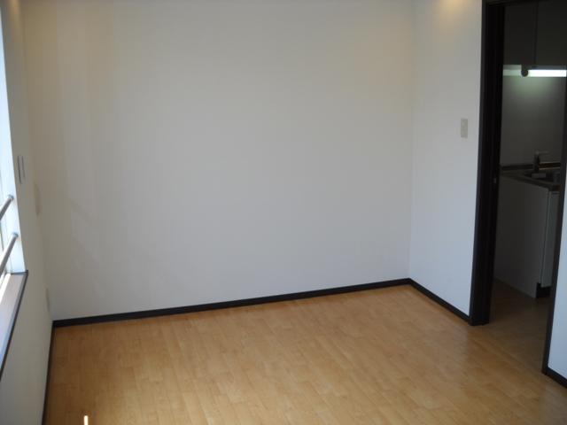 ミルフィーユⅡ 202号室の居室