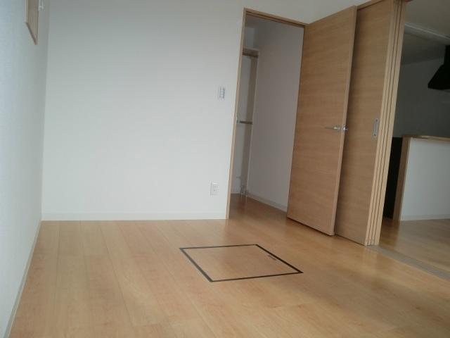 ルネス マリアンジェ 203号室の居室